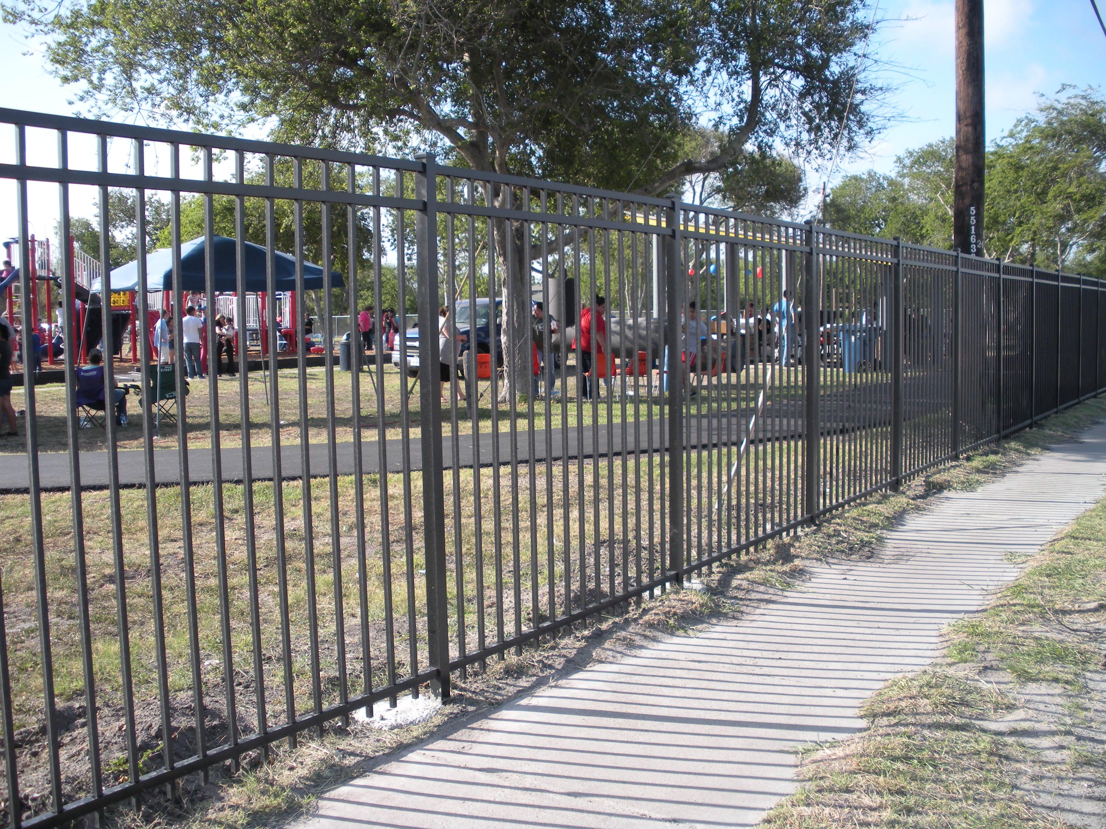 Aluminum ornamental vinyl fence when you need a