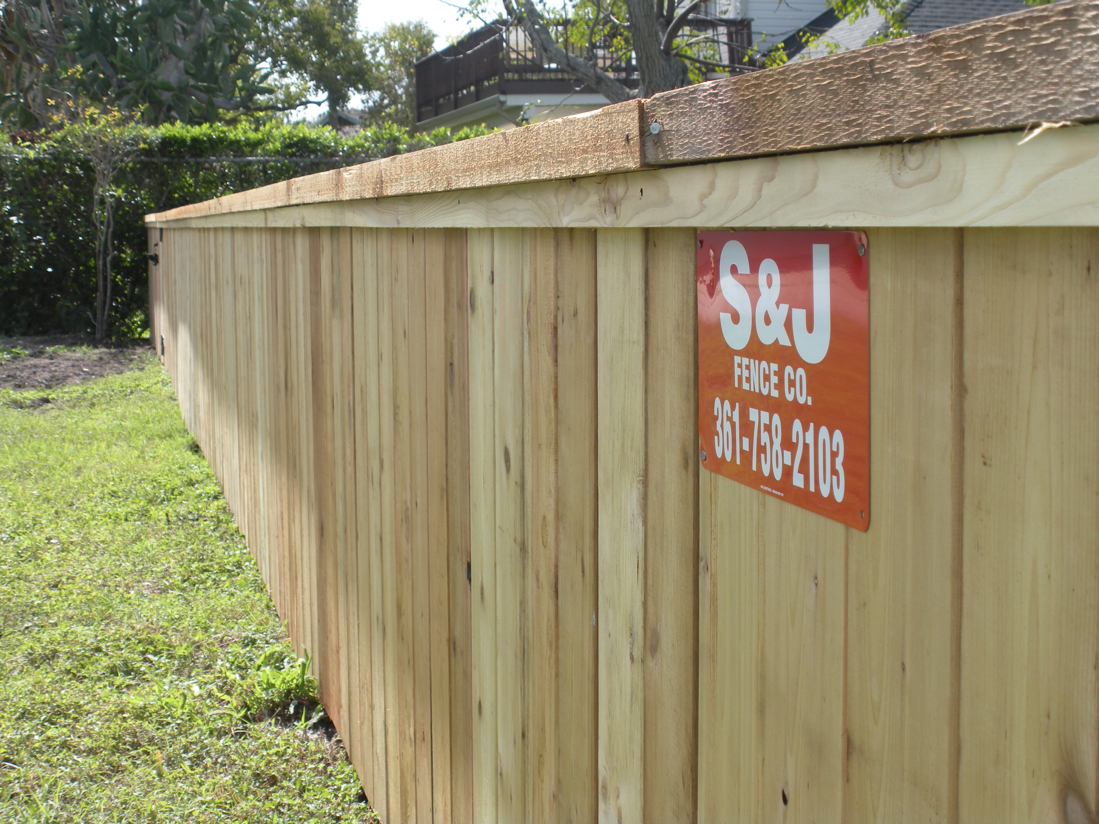 Sj fence co is the coastal bends best all around fence company cedar cap and trim wood fence baanklon Gallery