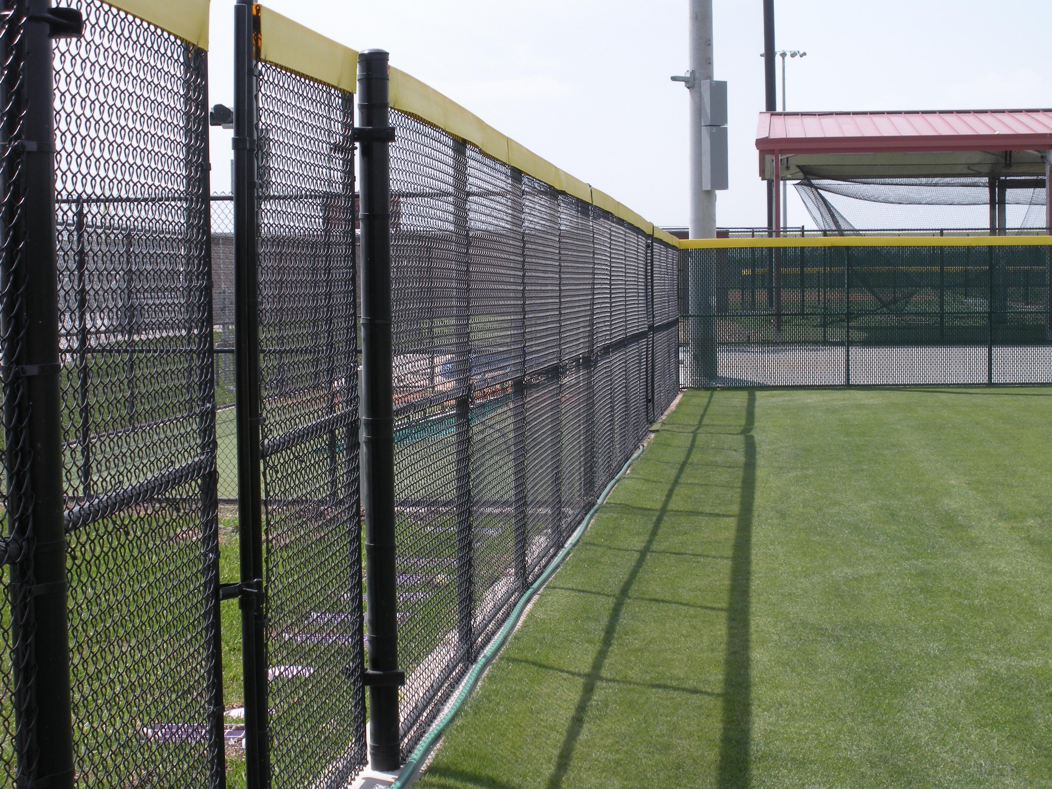 Black Wire Field Fence - WIRE Center •